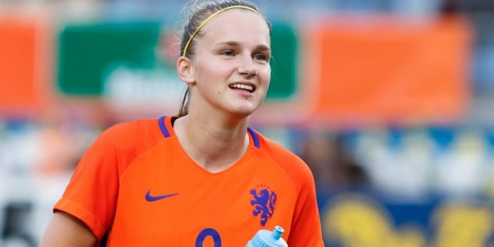 Leeuwinnen scoren zeven keer bij debuut Wiegman