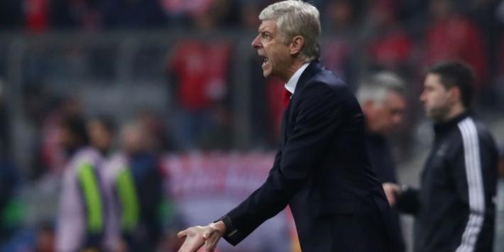 """Wenger reageert op 'Wexit'-protest: """"Ik geef het maximale"""""""