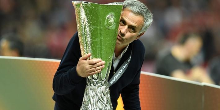"""Mourinho: """"Ga altijd aan de slag bij clubs in problemen"""""""