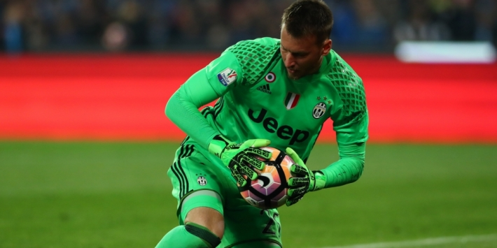 Keeper Neto naar Valencia, AC Milan laat Kucka gaan
