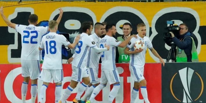 Ajax treft bij winst Dinamo Kiev in play-offs Champions League