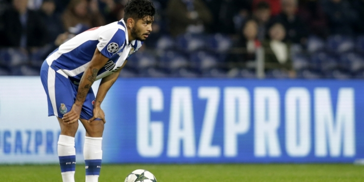 Voormalig FC Twente-aanvaller Corona verlengt bij FC Porto
