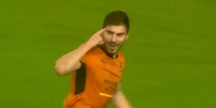 Video: Ruben Neves wipt bal voor zich op en maakt wereldgoal