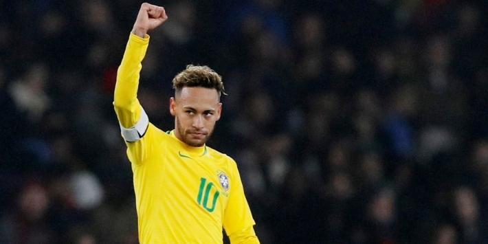 Neymar raakt vroeg in duel met Kameroen geblesseerd