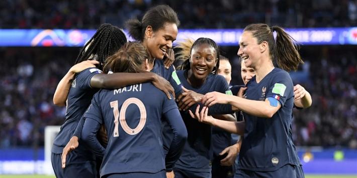 Frankrijk overtuigt en begint WK met ruime overwinning