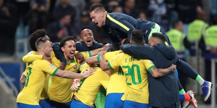 Penaltyserie brengt Brazilië ternauwernood in halve finale