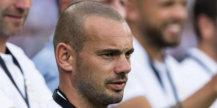 Sneijder steunt Derksen in racisme-boycot rondom Oranje