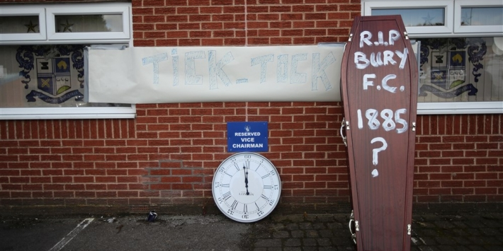 Bury FC verdwijnt uit Engels profvoetbal, lot Bolton uitgesteld