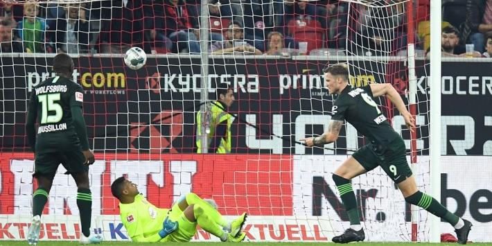 Weghorst schiet Wolfsburg naar punt in Düsseldorf