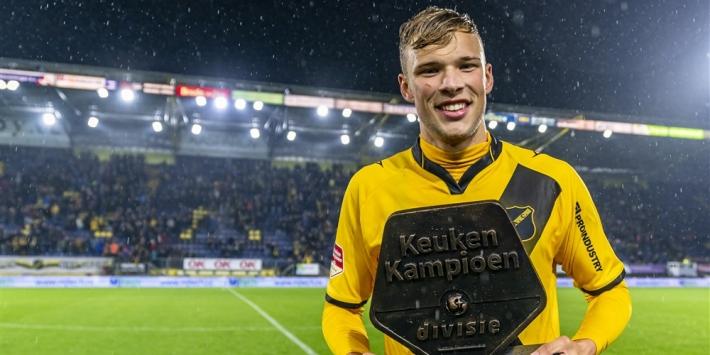 """Van Hooijdonk na periodetitel: """"Geweldig om hier te voetballen"""""""