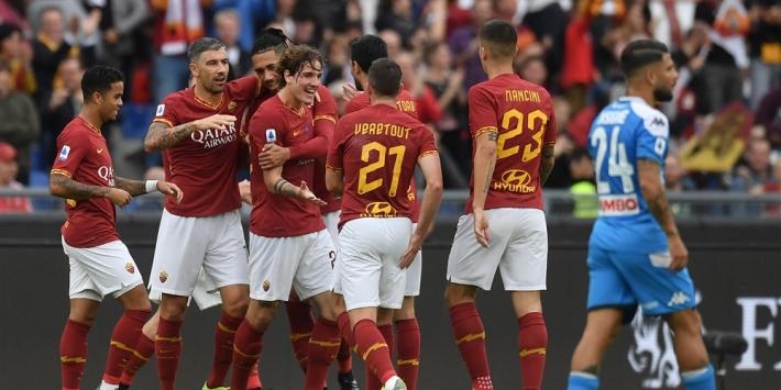 AS Roma duwt met Kluivert Napoli uit de subtop