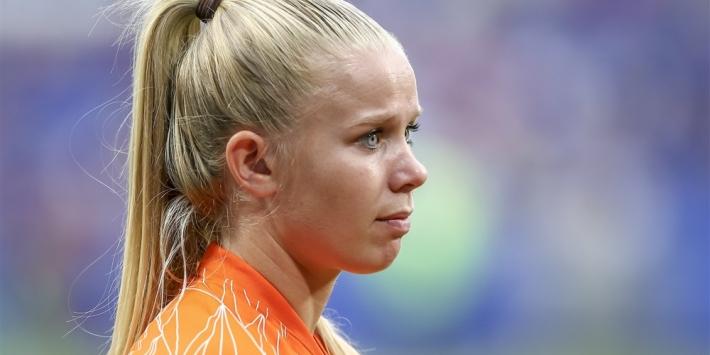 """Van Es terug: """"Na het WK moest ik geopereerd worden"""""""