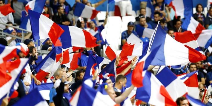 Franse fans in de fout: Boedapest in plaats van Boekarest