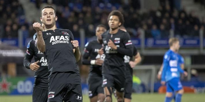 AZ wint simpel in Zwolle en hijgt Ajax nu echt in de nek