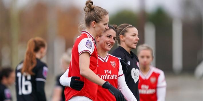 Miedema eindigt doelpuntendroogte en helpt Arsenal aan zege