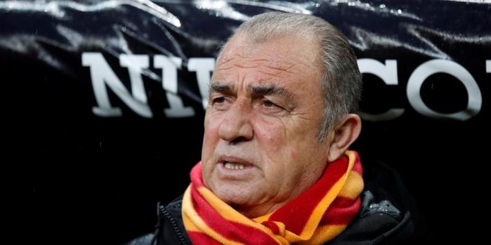 Galatasaray van Donk wint 'topper' en pakt koppositie