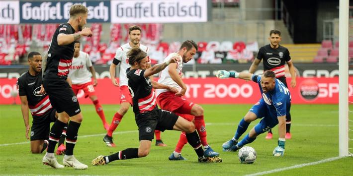 FC Köln knokt zich na gemiste penalty Uth naar punt