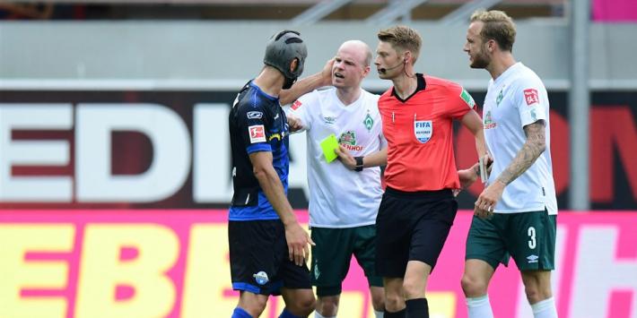 Notoire kaartenpakker Gjasula vestigt record in Bundesliga