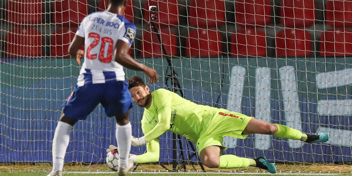 FC Porto blameert zich tegen hekkensluiter door misser Zé Luis