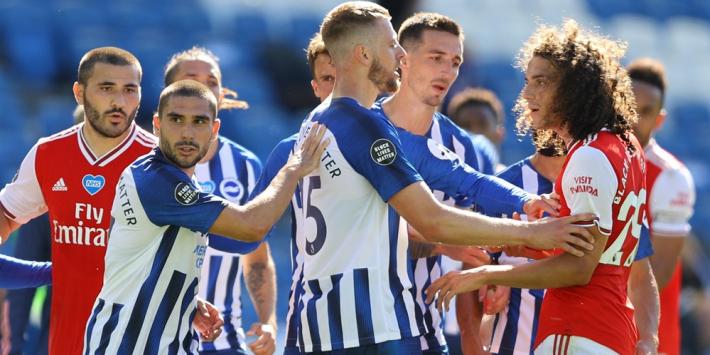 Maupay haalt gram bij Arsenal-spelers, Arteta 'erg gefrustreerd'