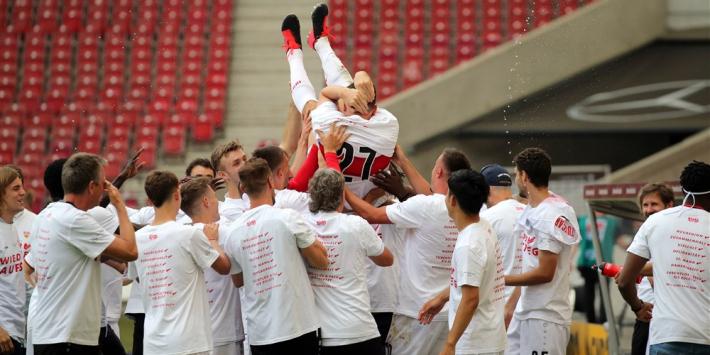 Gomez (34) zet na promotie punt achter voetballoopbaan