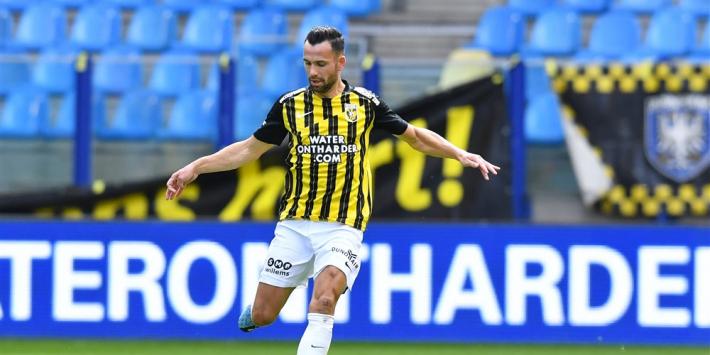 Bruns en Manhoef testen positief en ontbreken bij Vitesse