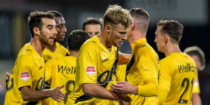 NAC laat overbodige Van Hooijdonk transfervrij gaan