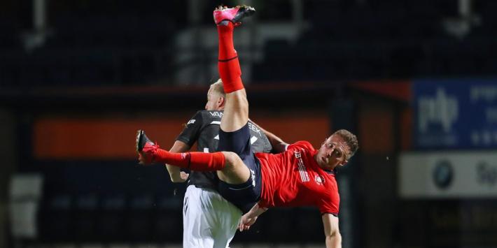 Van de Beek beleeft succesvol basisdebuut bij Man United