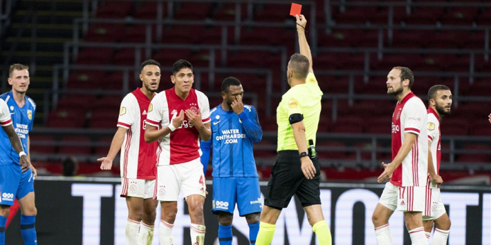 Tiental Ajax verslaat strijdend Vitesse in geweldig voetbalgevecht
