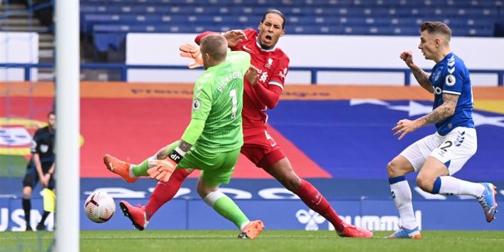 Grote zorgen om Van Dijk, die uitvalt richting 'Ajax'