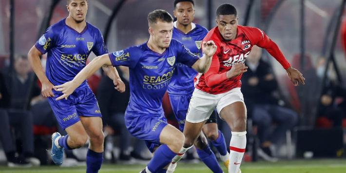 Tienkoppig AZ verliest tegen VVV wederom punten in slotfase