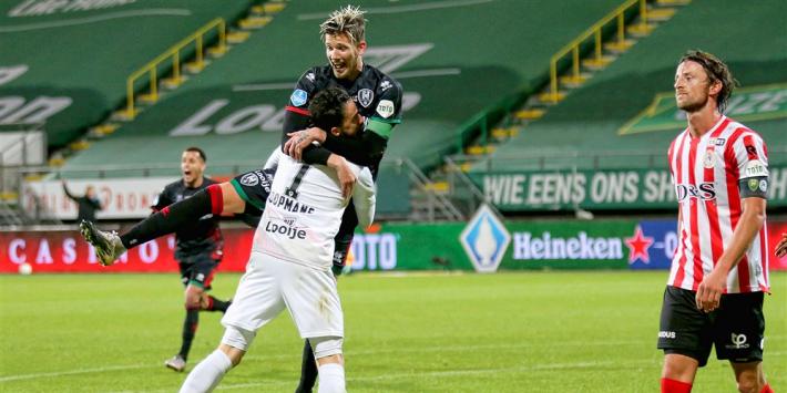 Scorende keeper Koopmans leidt bekerzege ADO in na penalty's
