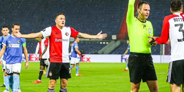 Social media: Feyenoord-arbiter Jovanovic de gebeten hond