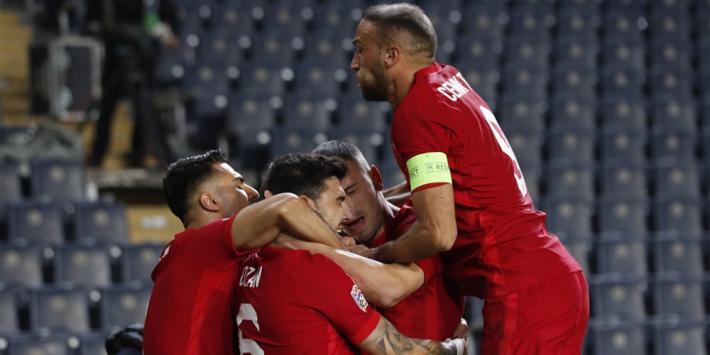 Turkije verslaat Rusland, Finland en Wales strijden om promotie