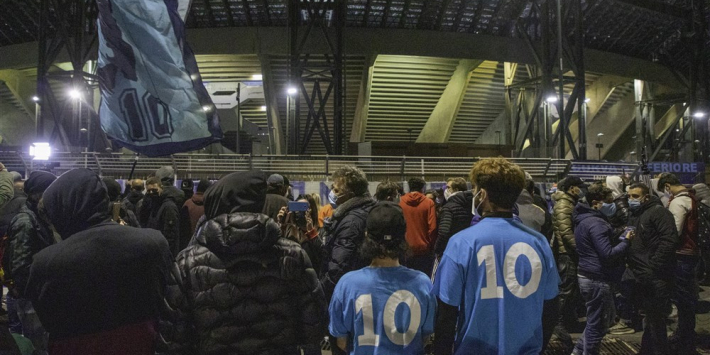 Napoli-stadion officieel vernoemd naar Diego Maradona