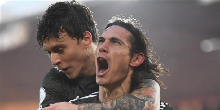 Cavani held van Man United bij basisdebuut Van de Beek