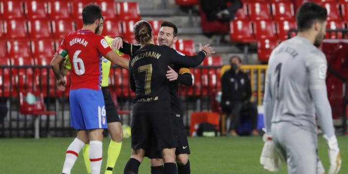 Swingend Barça dankzij Messi en Griezmann langs Granada