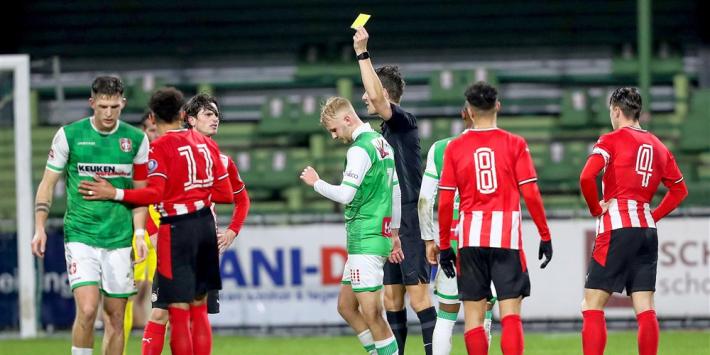Jong PSV houdt ploeterend FC Dordrecht op laatste plaats
