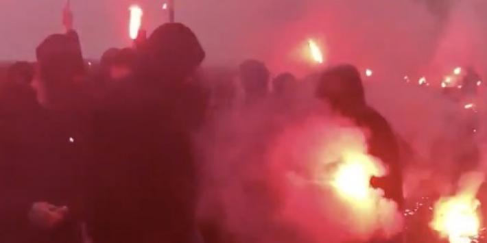 Video: Feyenoord-fans laten zich gelden bij laatste training