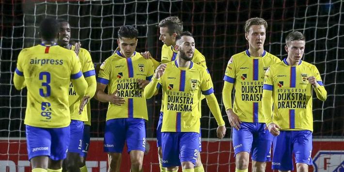 """De Jong ziet Mühren spelen op paracetamols: """"Geen Onanaatje"""""""