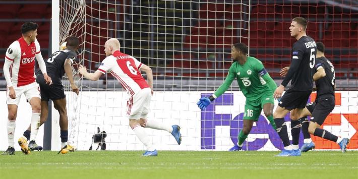 Ajax overleeft zeer lastige avond en gaat door in Europa League