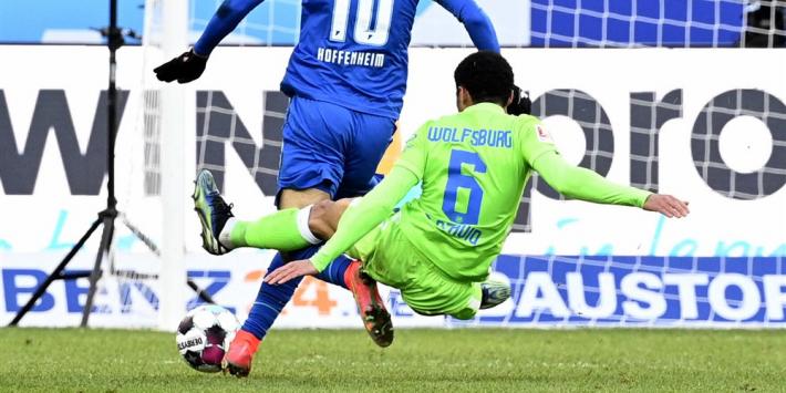 Wolfsburg-speler biedt excuses aan voor schandalige zaag