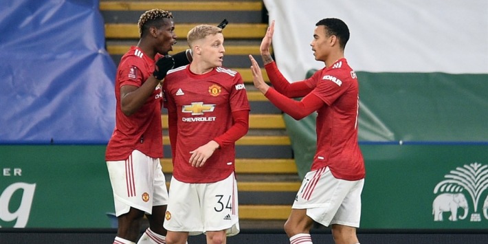 United wint minuut na invalbeurt Van de Beek alsnog
