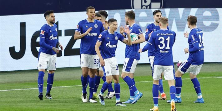 Schalke zet met zege eerste stap naar ultieme ontsnapping