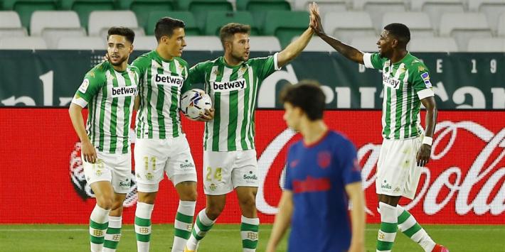 Atlético houdt koppositie, maar wint wéér niet én verliest spelers