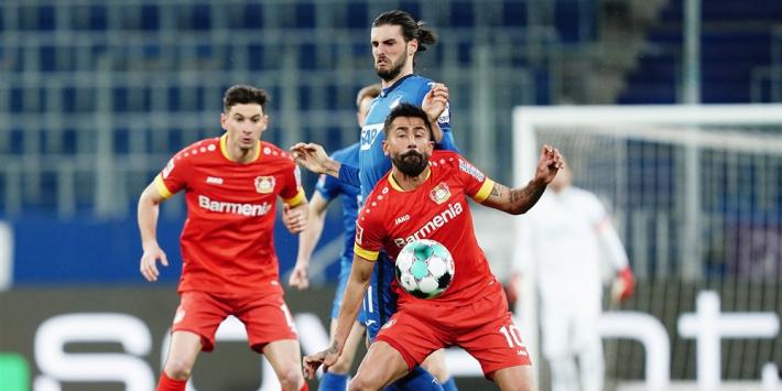 Leverkusen loopt weer schade op in race om Europees voetbal