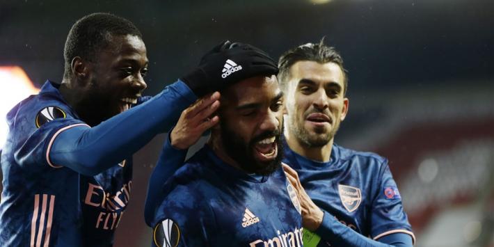 Arsenal halvefinalist na probleemloze avond in Praag