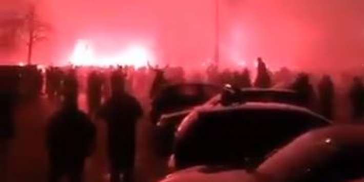 Video: Fans Cambuur hervatten kampioensfeest na huldiging