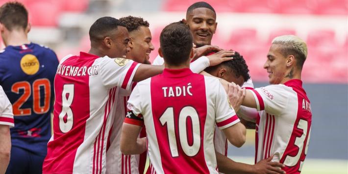 Ajax pakt 35e titel officieel na eenvoudige zege op Emmen