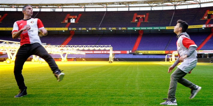 'Robin van Persie gaat eigen zoon trainen bij Feyenoord'